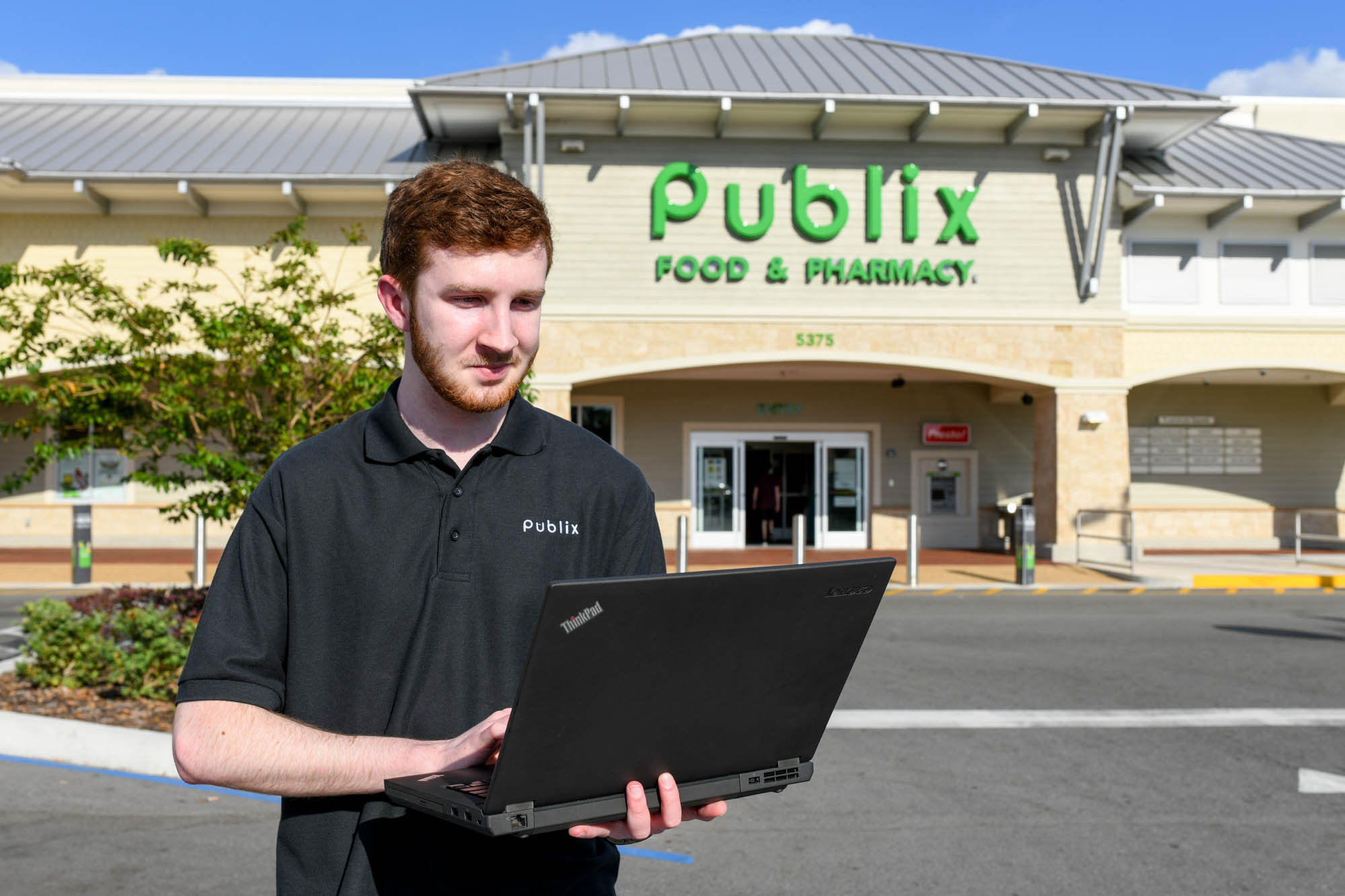 Alum grows into tech-forward career with Publix Super Markets