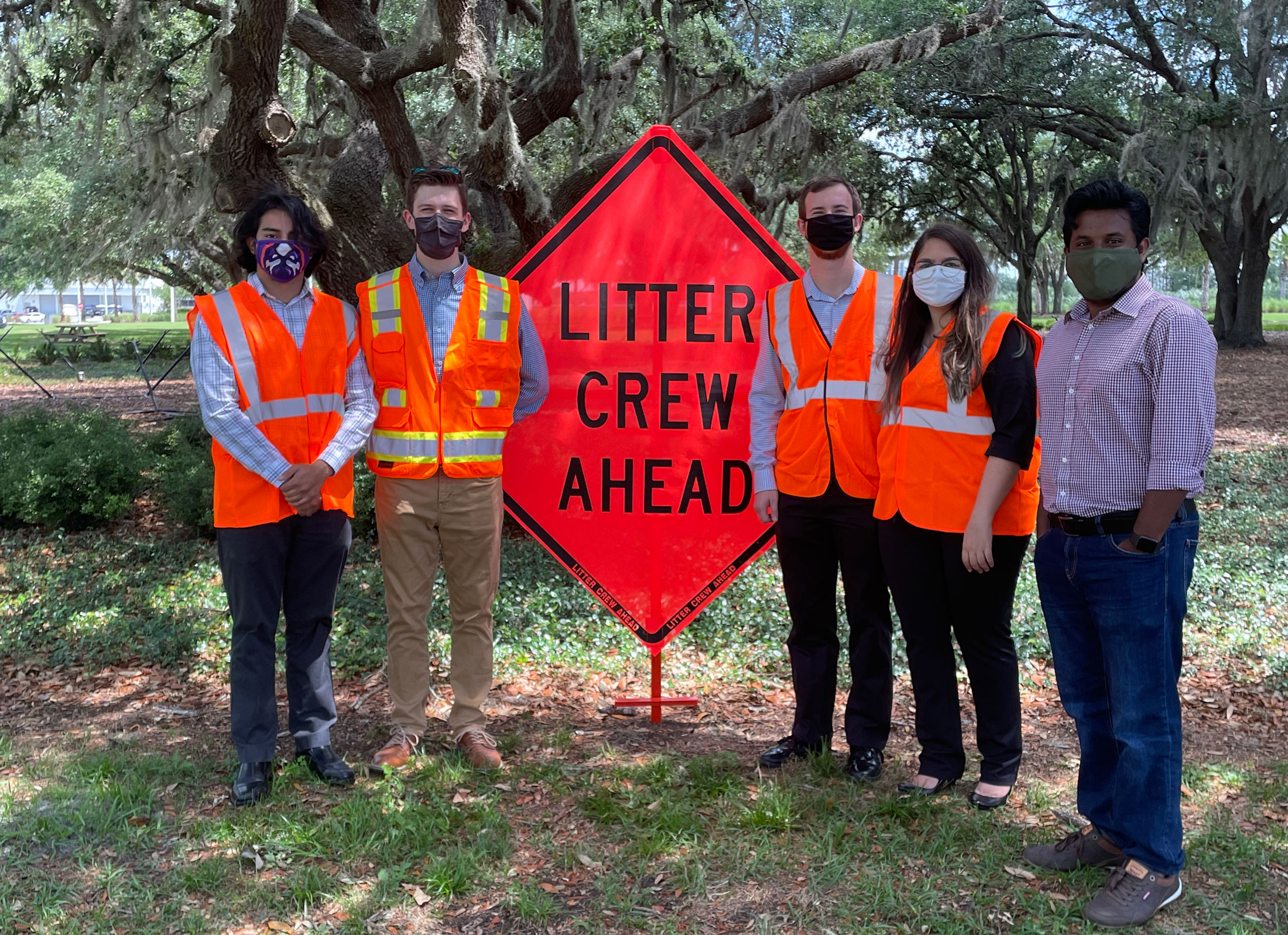 IEEE-HKN students get their hands dirty to beautify Lakeland