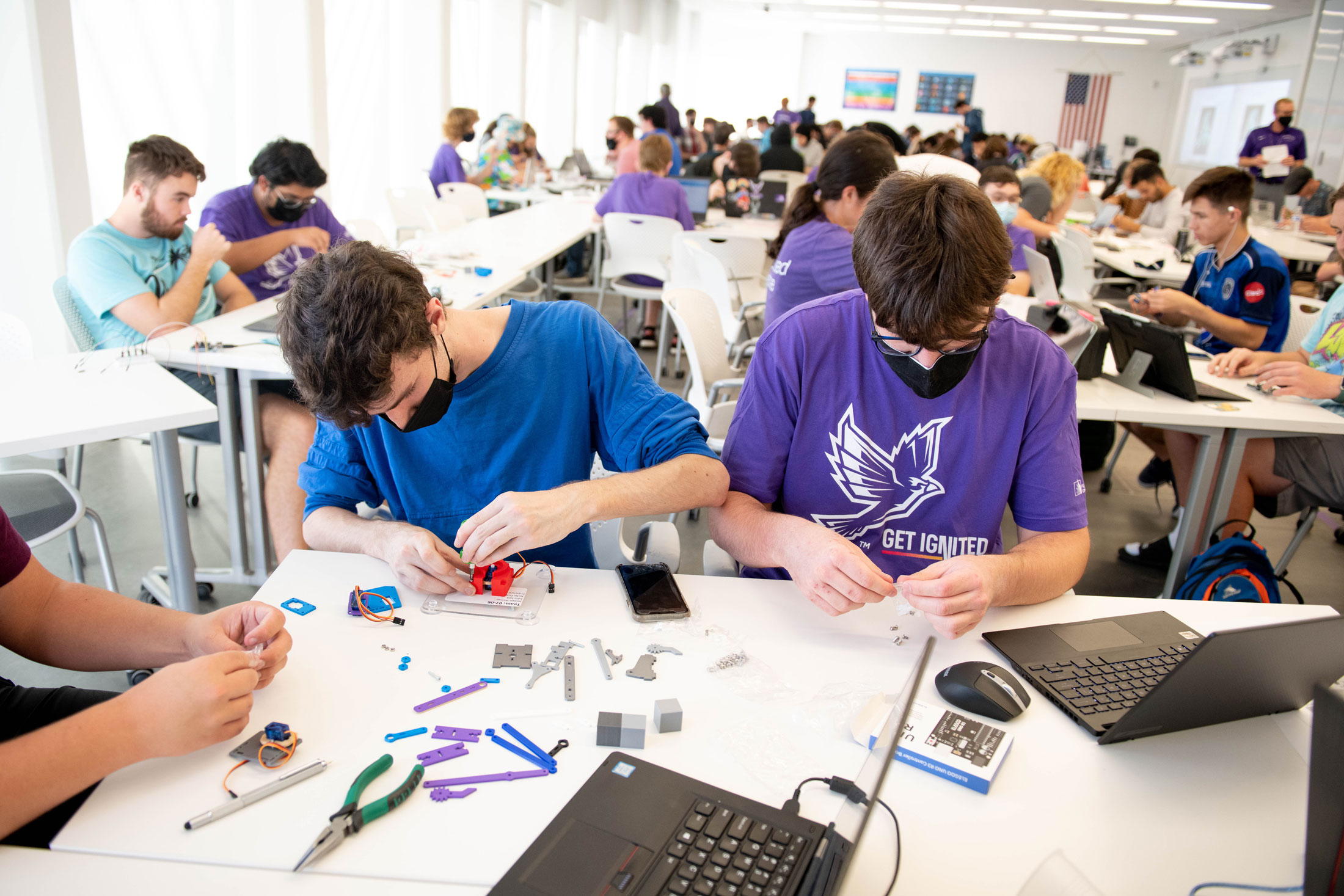 Students get hands-on STEM experience at inaugural freshman hackathon